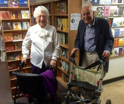 Sans perdre espoir: un couple de 90 ans se rencontre lors d'un «blind date»